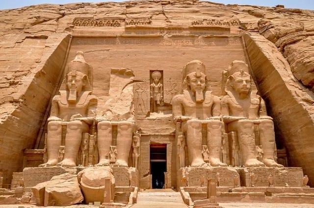 1-egypt-abu-simbel-front-1427990858437