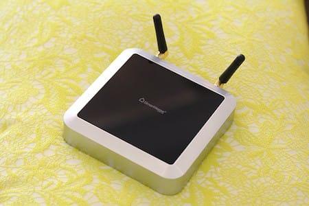 """Thiết bị kết nối trung tâm SH - BZ nhìn giống với modem """"hai râu"""""""