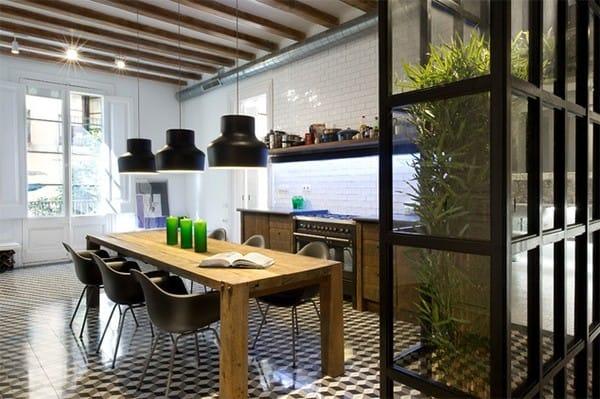 Khu vực phòng ăn trông thật tươi mát với khu vườn nhỏ xinh được bố trí trong phòng.