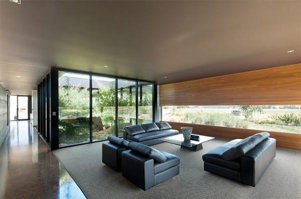 Một khu vườn kín trong nhà sẽ làm bạn cảm thấy gần gũi hơn với thiên nhiên và bạn sẽ có một khung cảnh thiên nhiên bao quanh thật tuyệt diệu.