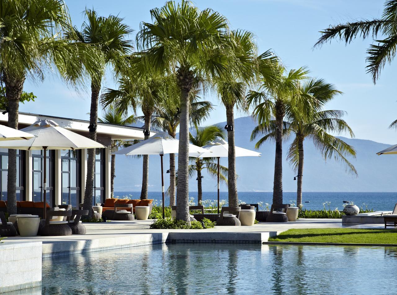 Hyatt Regency Danang (Đà Nẵng): Resort này được độc giả tạp chí Condé Nast Traveler bình chọn vào top 40 resort bãi biển tuyệt nhất thế giới. Khu nghỉ dưỡng trải rộng hơn 200.000 m2 với bãi biển nguyên sơ trước núi Ngũ Hành Sơn, cách sân bay khoảng 15 phút đi xe. Ảnh: Hyatt Regency Danang.