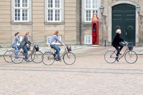 Hình ảnh thường thấy trên các con phố của Copenhagen.