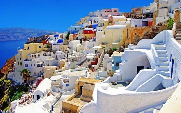 Santorini, ngôi làng đông đúc nhưng vẫn đẹp mộng mơ của Hy Lạp.