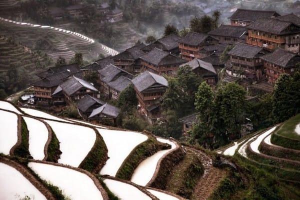 Ngôi làng nhỏ vùng cao mang đầy sắc màu kiếm hiệp của Trung Quốc.