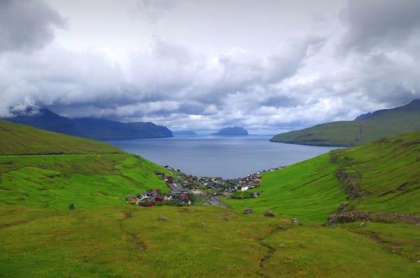Ngôi làng Kvivik, quần đảo Faroe, quê hương của những chiến binh Viking hoang dã.