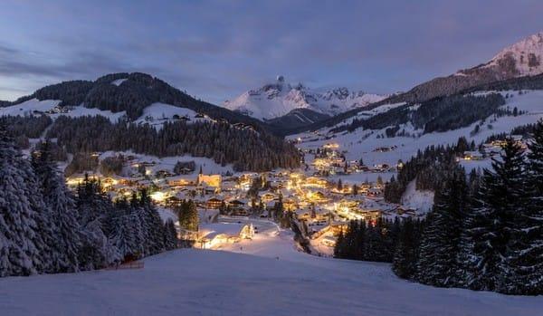 Làng Filzmoos, Áo – một địa điểm tuyệt vời để đi tìm ông già Noel.