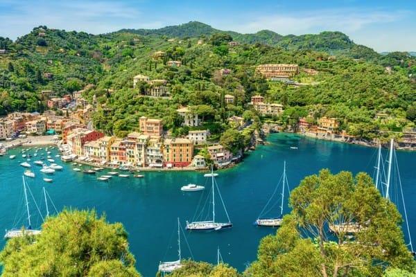Nếu bạn yêu thích những tên cướp biển vui tính, hãy đến làng chài Portofino nước Ý.