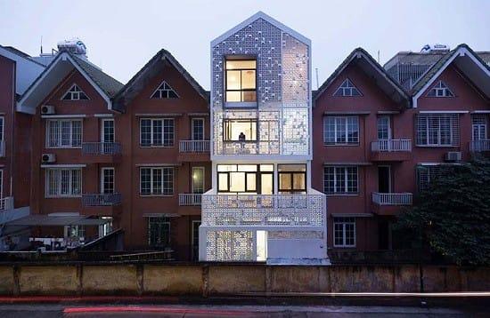 Mới đây, chuyên trang về kiến trúc Home Design Lover của Mỹ vừa đăng tải một bài viết về ngôi nhà có tên Cocoon House ở Hà Nội với nhận xét tích cực và không thiếu những lời khen dành cho kiến trúc sư.