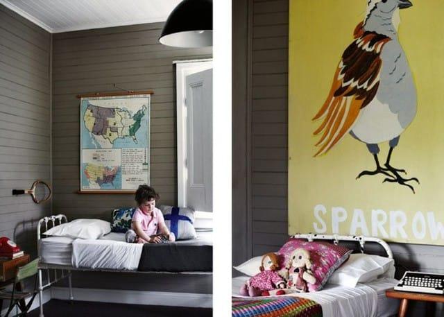 3. Phòng ngủ màu xám dễ gây cảm giác đơn giản, nhàm chán. Một chiếc giường cổ điển rất thích hợp cho một phòng ngủ màu xám, kết hợp lại sẽ cho cái nhìn cổ điển. Được kết hợp với tông màu trung tính, toàn bộ căn phòng sẽ là sự pha trộn kỳ diệu của giản dị và truyền thống.