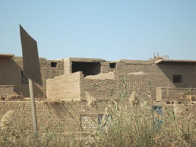 Gạch bùn được dùng trong xây dựng từ thời Ai Cập cổ đại