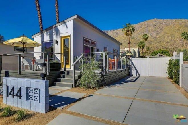 Ngôi nhà cấp 4 nhỏ xíu, đẹp bình yên bên phong cảnh núi non hữu tình - Ảnh 3.