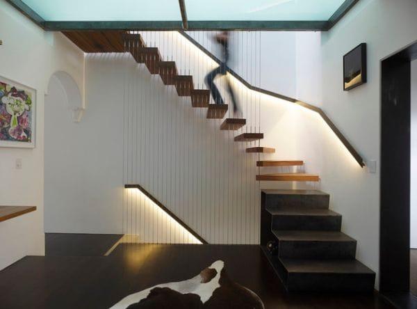 Cầu thang không tay vịn - kiểu cầu thang đẹp xuất sắc cho nhà hiện đại - Ảnh 9.