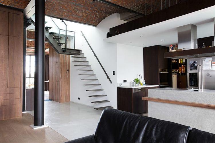 Cầu thang không tay vịn - kiểu cầu thang đẹp xuất sắc cho nhà hiện đại - Ảnh 6.