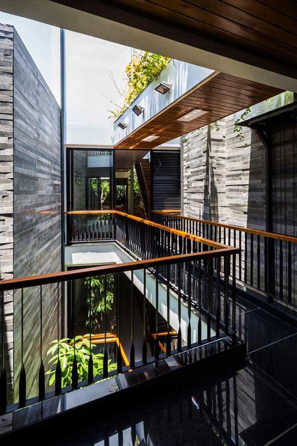 Nhà ống 4 tầng mà đẹp như resort nhờ cây xanh mọc khắp nhà - 12