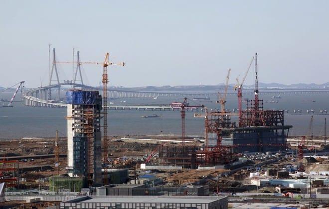 Một công trình xây dựng trong khu Thành phố Quốc tế Songdo, một phần của Khu Kinh tế Tự do Incheon, vào ngày 11 tháng Mười Hai năm 2008.