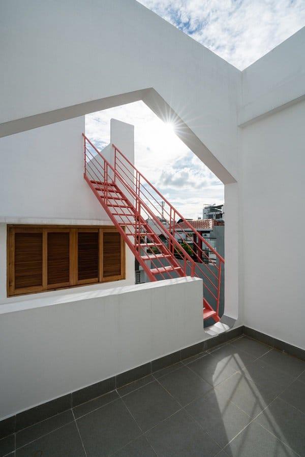 """""""Nhà nằm trong nhà"""" ở Sài Gòn xuất hiện đầy ấn tượng trên báo Mỹ - 15"""