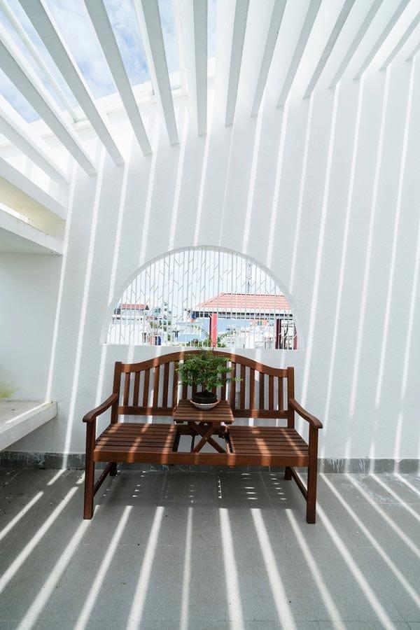 """""""Nhà nằm trong nhà"""" ở Sài Gòn xuất hiện đầy ấn tượng trên báo Mỹ - 18"""