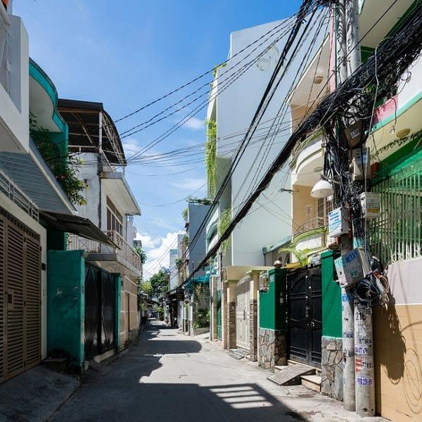 """""""Nhà nằm trong nhà"""" ở Sài Gòn xuất hiện đầy ấn tượng trên báo Mỹ - 2"""