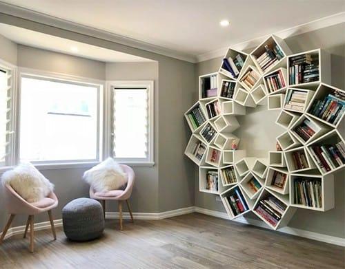 Tủ sách cầu kỳ của cặp vợ chồng làm từ các mảnh gỗ đơn giản - 6