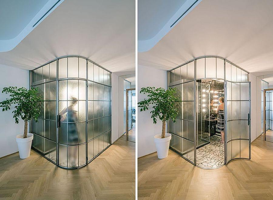 Nới rộng không gian cho nhà nhỏ với bức tường kính