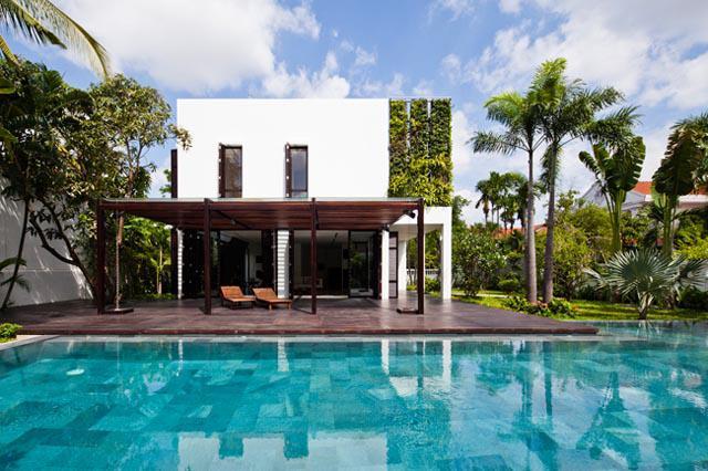 Thay tường thô cứng bằng vườn treo, biệt thự Việt đẹp ngỡ như ở trời Tây - 4
