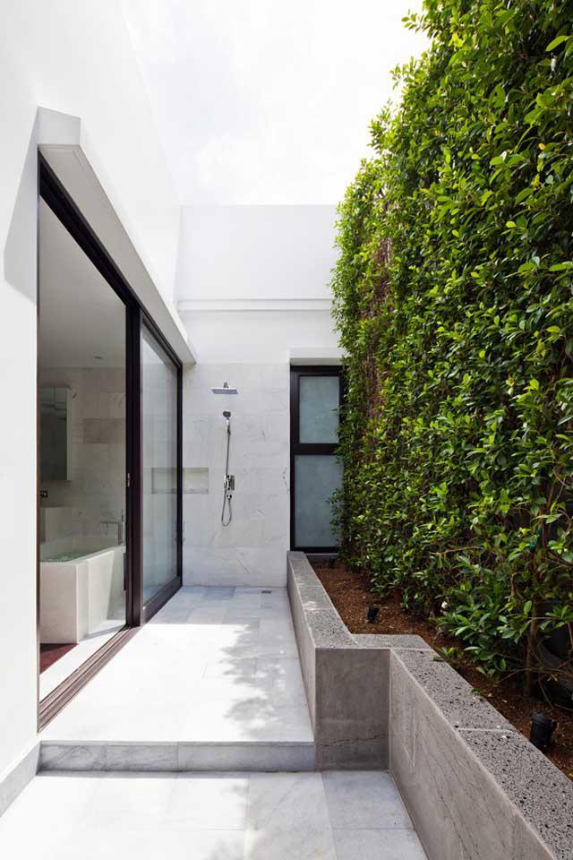 Thay tường thô cứng bằng vườn treo, biệt thự Việt đẹp ngỡ như ở trời Tây - 6