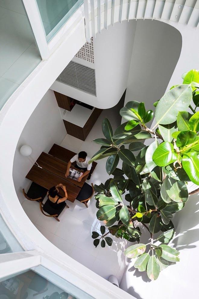 Thiết kế kiểu mới khiến nhà ống mặt phố ở Sài Gòn thoáng đãng đẹp mê li - 12