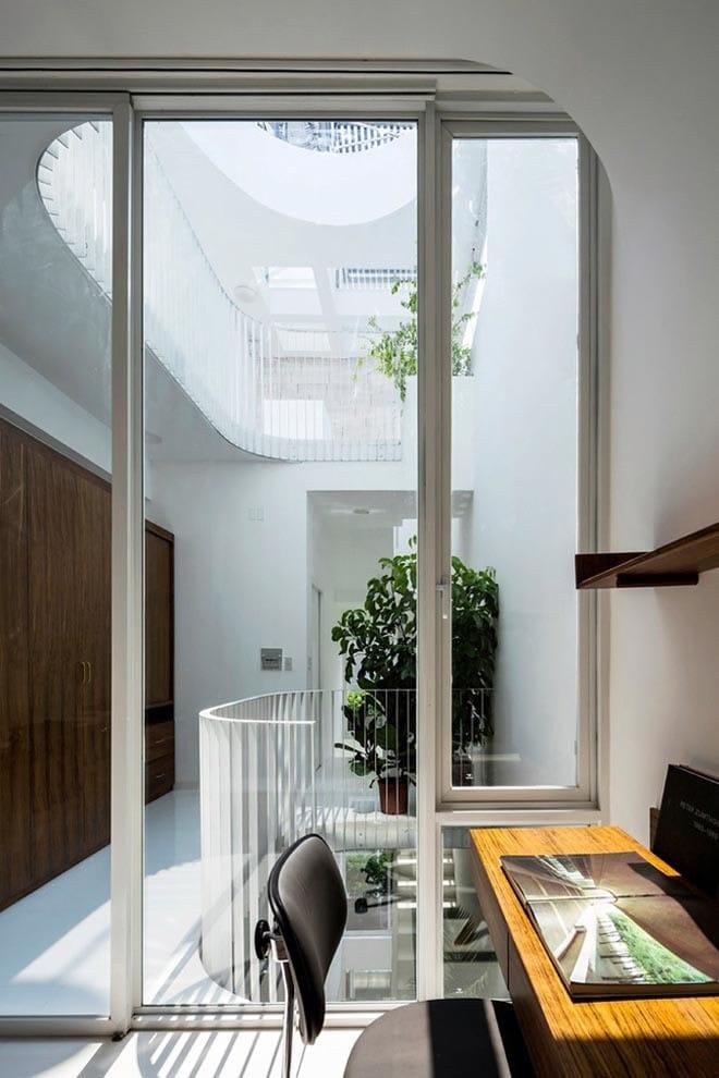 Thiết kế kiểu mới khiến nhà ống mặt phố ở Sài Gòn thoáng đãng đẹp mê li - 16
