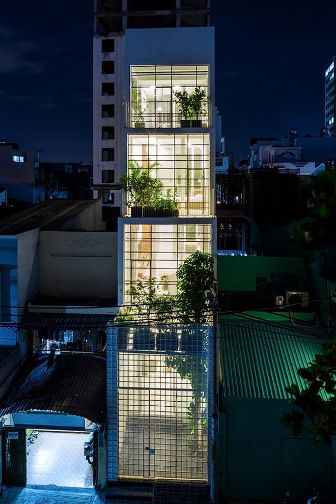 Thiết kế kiểu mới khiến nhà ống mặt phố ở Sài Gòn thoáng đãng đẹp mê li - 2