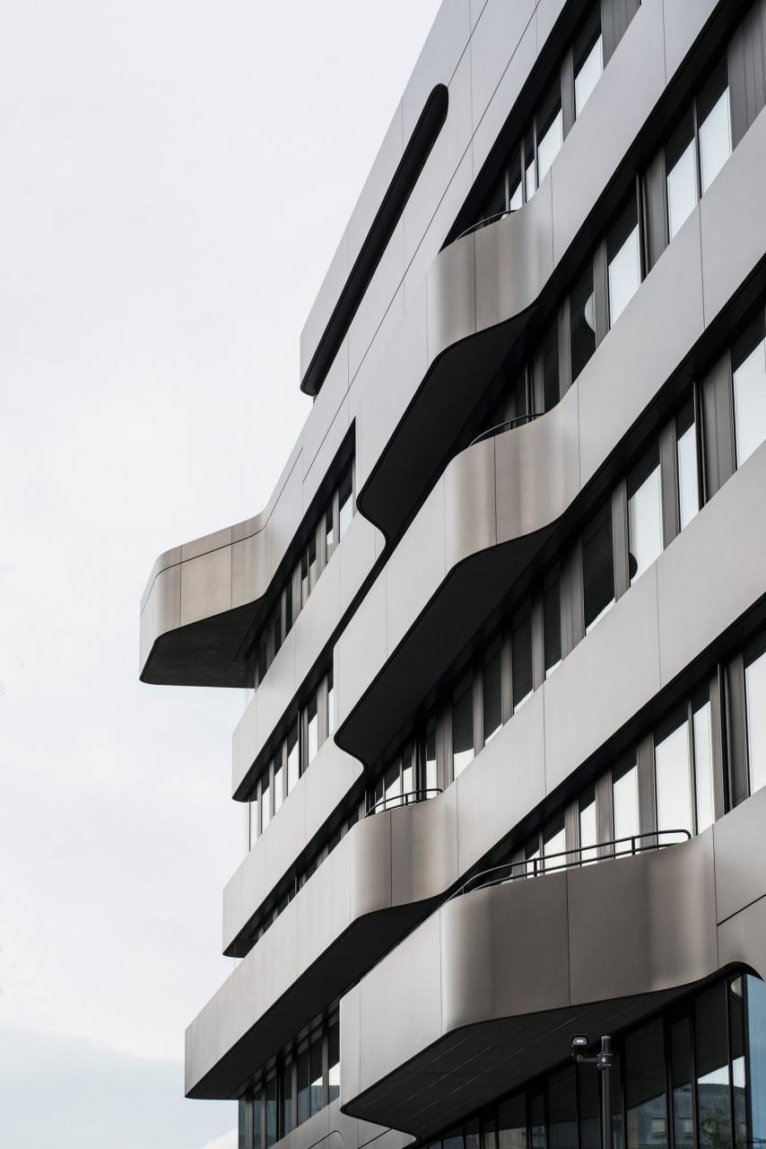 Khám phá kiến trúc trường Đại học tựa phi thuyền không gian
