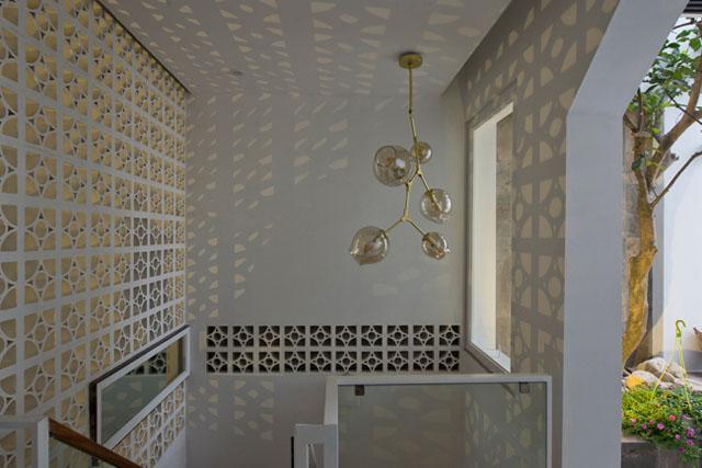 Ngôi nhà ở Đống Đa nổi bật trên báo Mỹ nhờ kiến trúc đáng học hỏi - 19