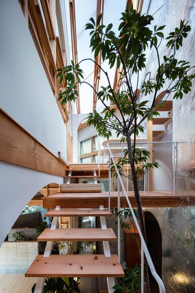 Nhà 2 tầng gây xôn xao giới kiến trúc vì thiết kế... lạ - 10