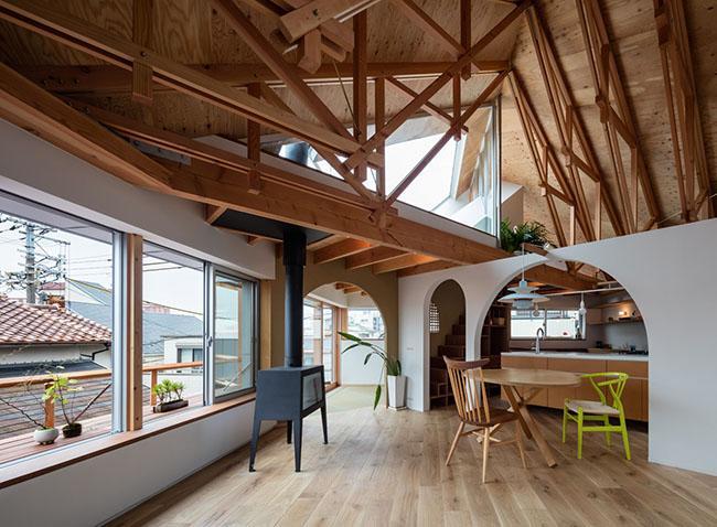 Nhà 2 tầng gây xôn xao giới kiến trúc vì thiết kế... lạ - 11
