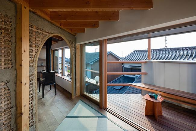 Nhà 2 tầng gây xôn xao giới kiến trúc vì thiết kế... lạ - 15