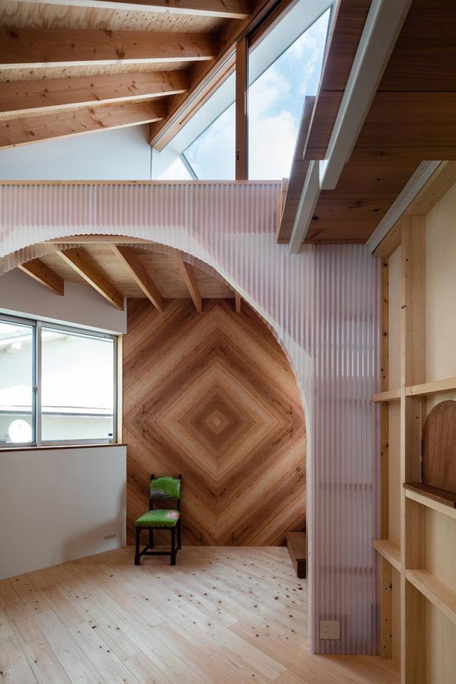 Nhà 2 tầng gây xôn xao giới kiến trúc vì thiết kế... lạ - 16