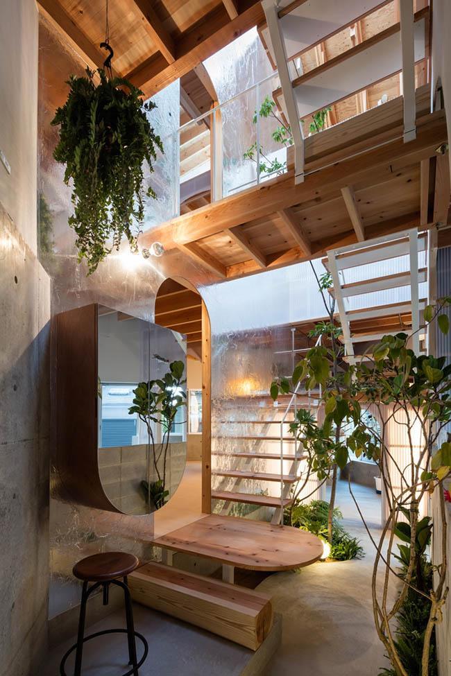 Nhà 2 tầng gây xôn xao giới kiến trúc vì thiết kế... lạ - 7