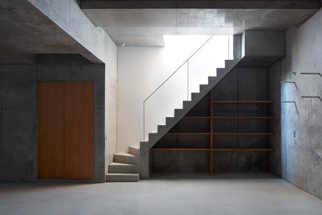 Căn nhà như cái hang mà được khen hết lời vì lý do đặc biệt - 16