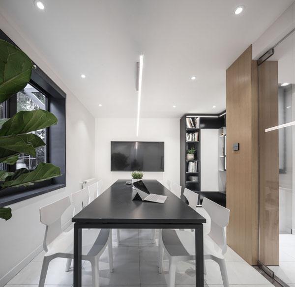 Không ngờ tầng trệt chung cư cũ kỹ có ngày thành văn phòng đẹp như mơ thế này - 13