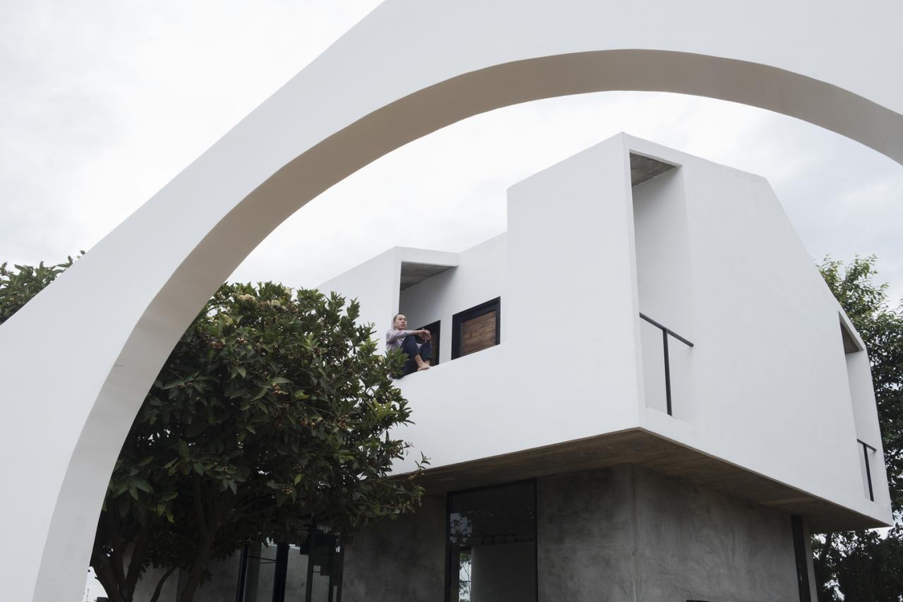 Căn nhà 100m2 nổi bật trên sườn đồi Đà Lạt lên báo ngoại