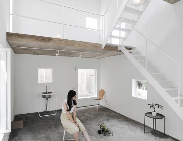 Vợ chồng trẻ xây nhà 2 tầng 45m² ở quê, bình dị mà được lên cả báo nước ngoài - 7