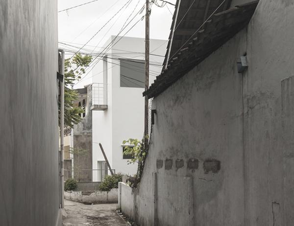 Vợ chồng trẻ xây nhà 2 tầng 45m² ở quê, bình dị mà được lên cả báo nước ngoài - 11