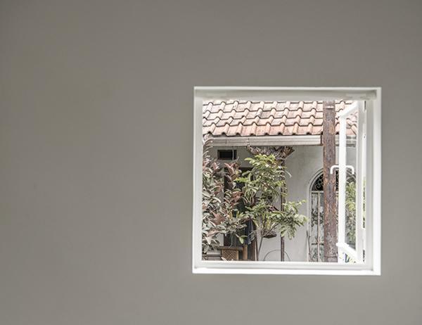 Vợ chồng trẻ xây nhà 2 tầng 45m² ở quê, bình dị mà được lên cả báo nước ngoài - 13