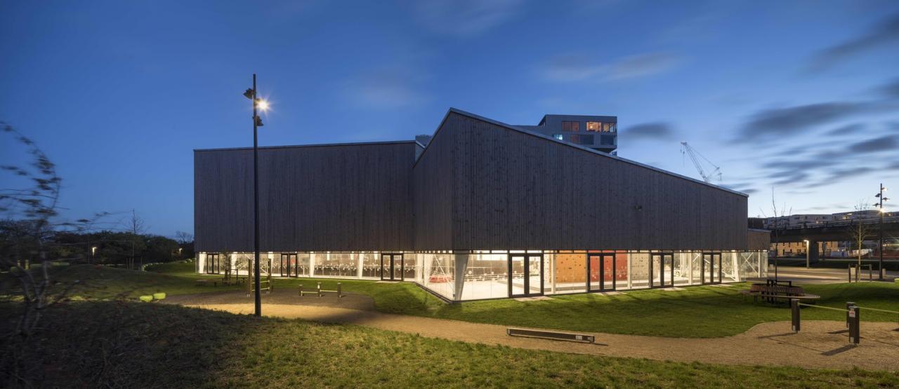 Ngắm nhà thi đấu đa năng kiến trúc hình mũi tên