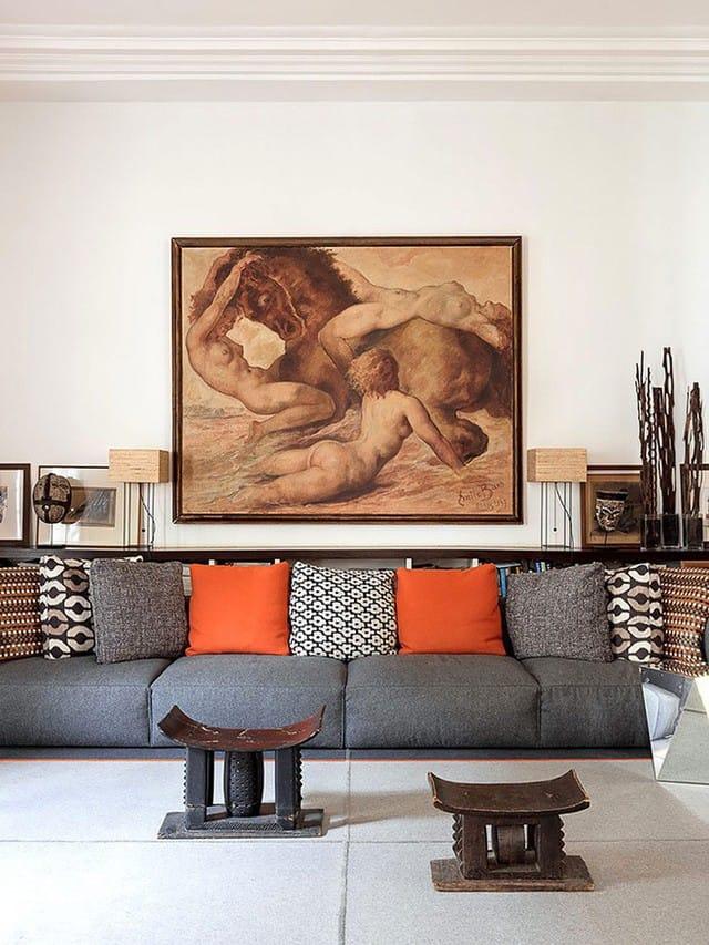 Bức tranh với gam màu trung tính đủ để tạo nên một góc sinh hoạt chung đẹp hiện đại và bắt mắt.