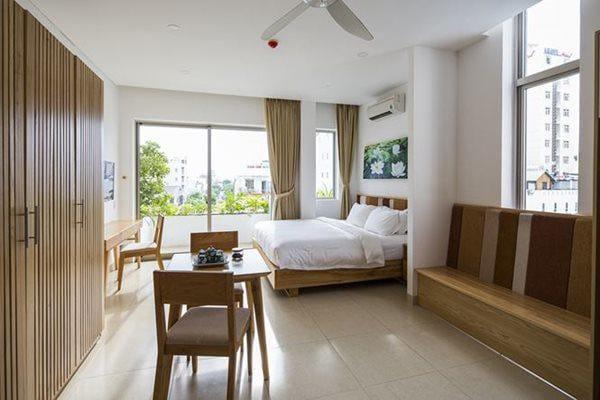 Phòng ngủ bố trí đơn giản, thoải mái.