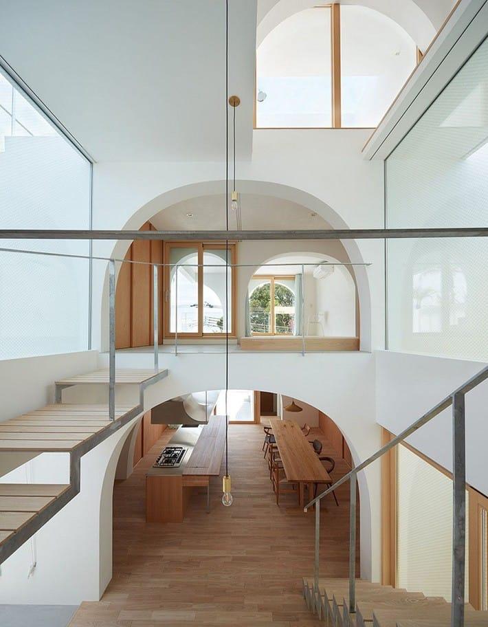 Ngôi nhà bốn tầng có thiết kế mái vòm độc lạ khiến hội những người yêu thích toán hình học phải mê đắm - Ảnh 10.