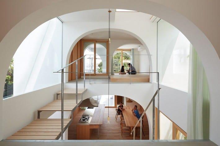 Ngôi nhà bốn tầng có thiết kế mái vòm độc lạ khiến hội những người yêu thích toán hình học phải mê đắm - Ảnh 4.