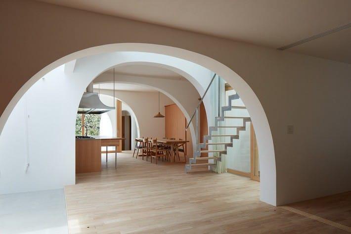 Ngôi nhà bốn tầng có thiết kế mái vòm độc lạ khiến hội những người yêu thích toán hình học phải mê đắm - Ảnh 6.