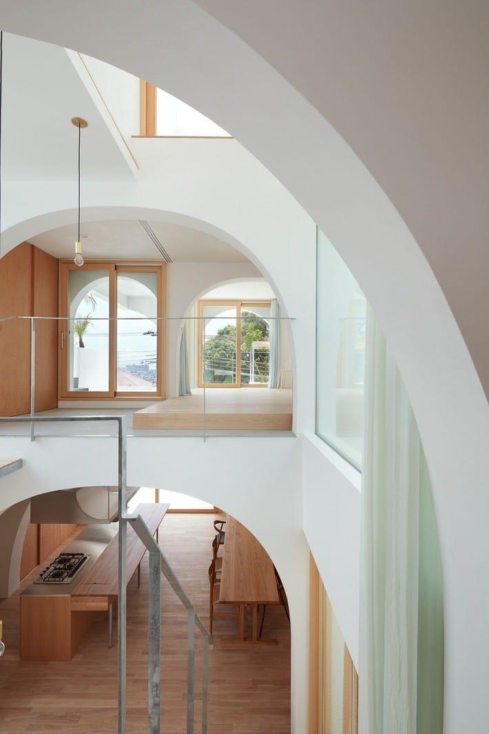 Ngôi nhà bốn tầng có thiết kế mái vòm độc lạ khiến hội những người yêu thích toán hình học phải mê đắm - Ảnh 8.