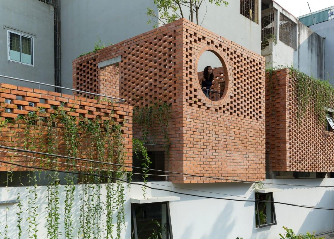 00_VH_house_exterior_a03_sharper